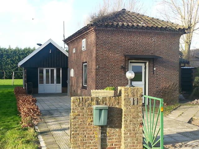 Penhuis bed en Wellness  N-Holland - Winkel - Hus