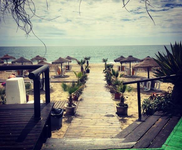 Beachside Home From Home - Estepona - Casa