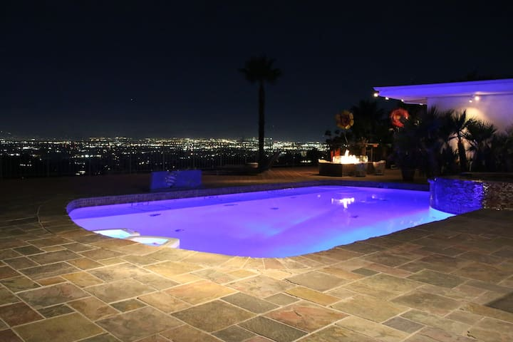 Mulholland Dr best views - Los Angeles - Talo
