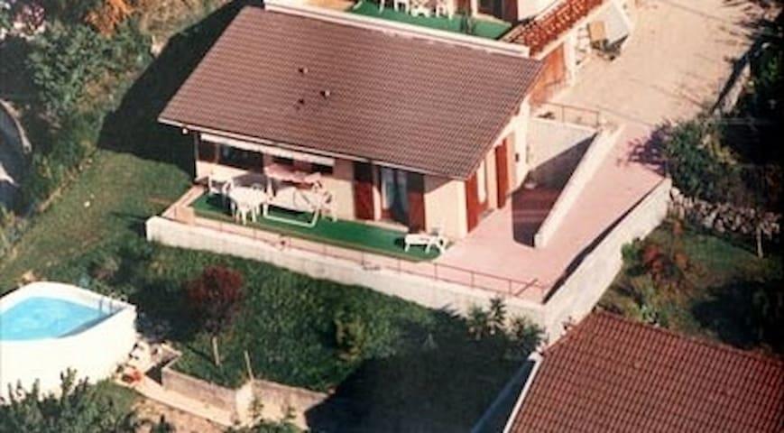 Appartement 2 piéces CHANAZ, village touristique. - Chanaz