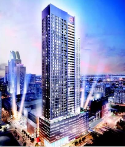 """High End luxury condo in DT Montreal """"Bell Centre"""" - Montreal - Apto. en complejo residencial"""