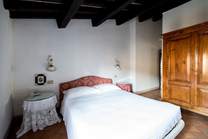 Borgo Antico Apartment for 3 people - Montegridolfo - Flat