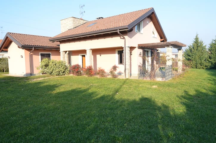 Country house  for golfers & families - Agrate Conturbia - Villa