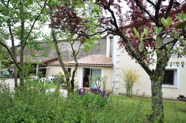 MAISON DE CAMPAGNE A 1H DE BORDEAUX - Saint-Vivien-de-Monségur
