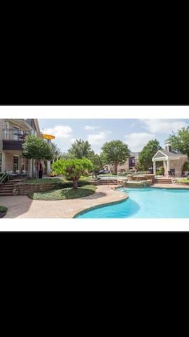 North Dallas private bed and bath - Карролтон - Квартира