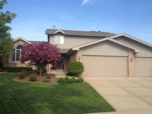 Beautiful Home in Tinley Park - Tinley Park - Huis