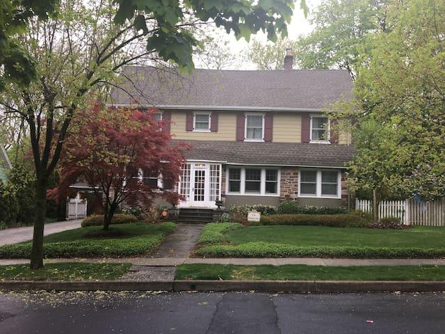 5 Bedroom house 15 miles to NYC - Montclair - Casa