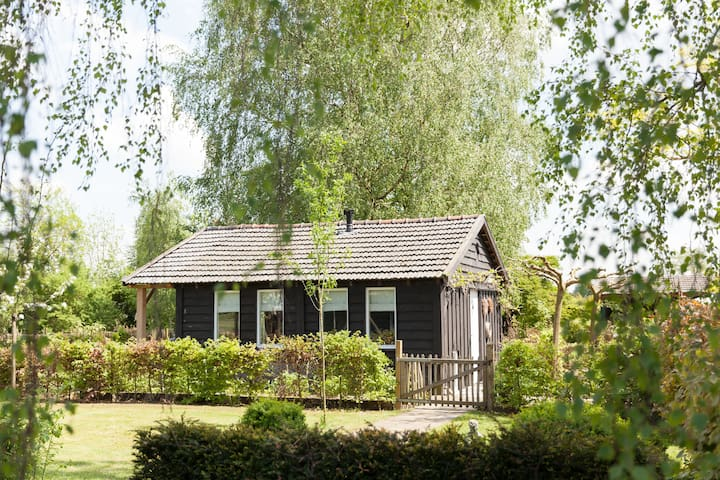 B&B in wooden countryside cottage - Heerde - Aamiaismajoitus