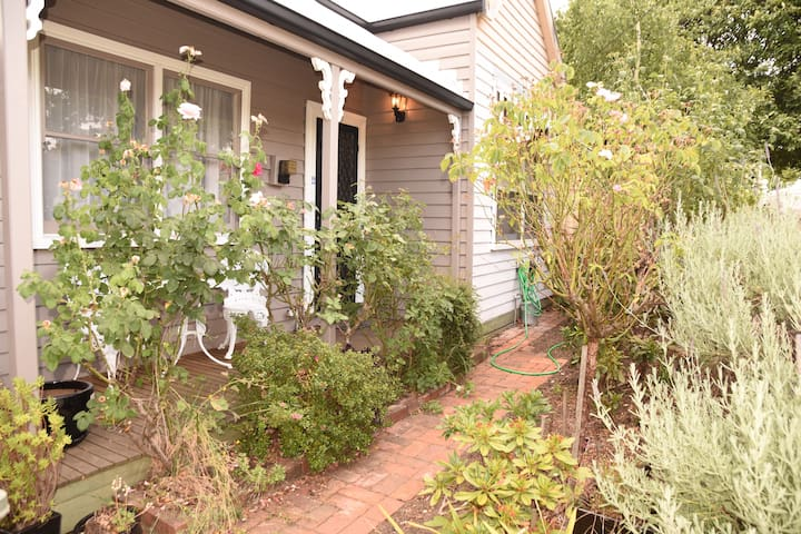 Comfort and style close to the city - Soldiers Hill - Bed & Breakfast