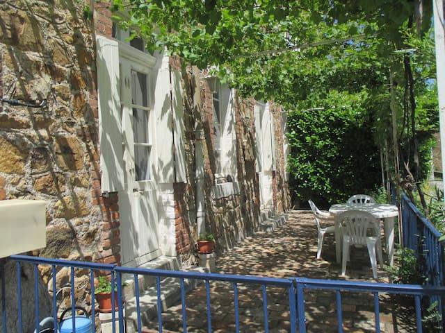 Appartement calme cœur des Cévennes - Robiac-Rochessadoule - Lägenhet