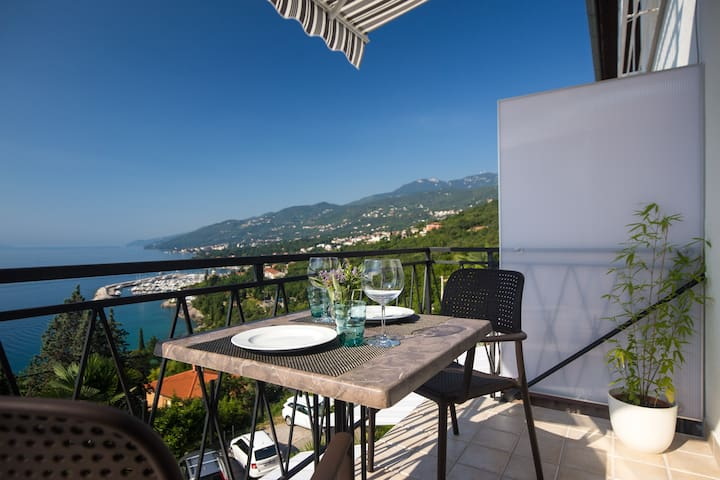 2+1 kid- Ellalinda OPATIJA-renovated in July 2016 - Opatija - Appartement