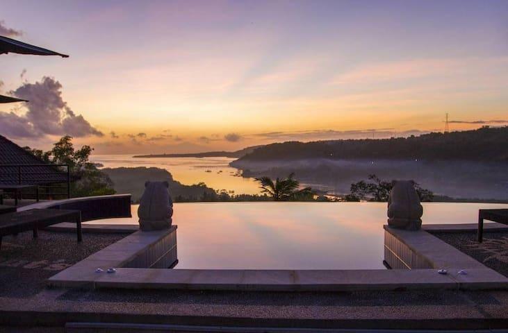 best sunrise in Lembongan Island - Nusapenida - Bungalow