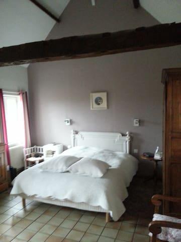 Fermette du Calvaire d'Hocron - Sainghin-en-Weppes - Bed & Breakfast