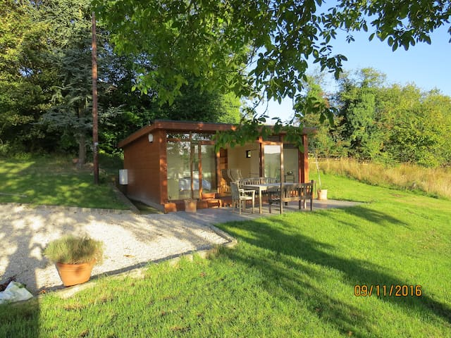 Self-contained chalet with south-facing views - Buckinghamshire - Dağ Evi