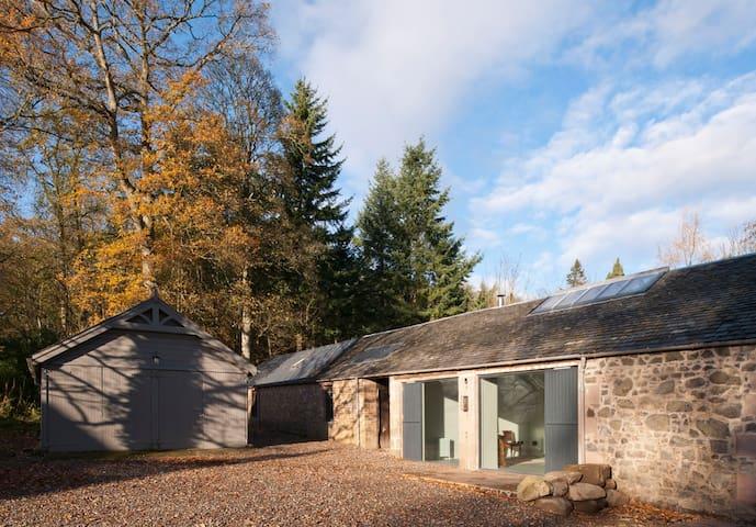 Rural Sawmill Cottage near Perth - Perth