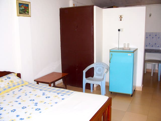 Remedios Guesthouse 2 - Velsao - Pension