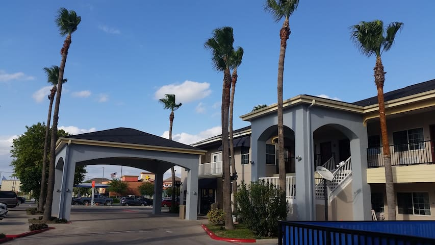 Texas Inn Downtown McAllen near Airport / Mall - McAllen