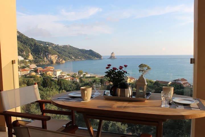 Luxury Apartment with sea view - Agios Gordios - Huoneisto