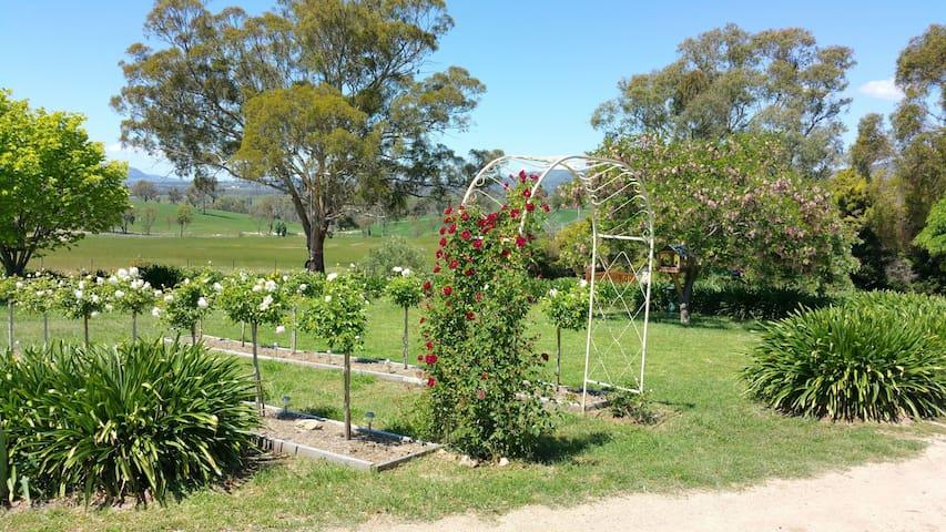 Bimbadeen Family Farm Stay - O'connell