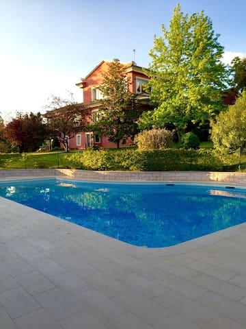 Zona piscicina para Barbacoas - Algete - 其它