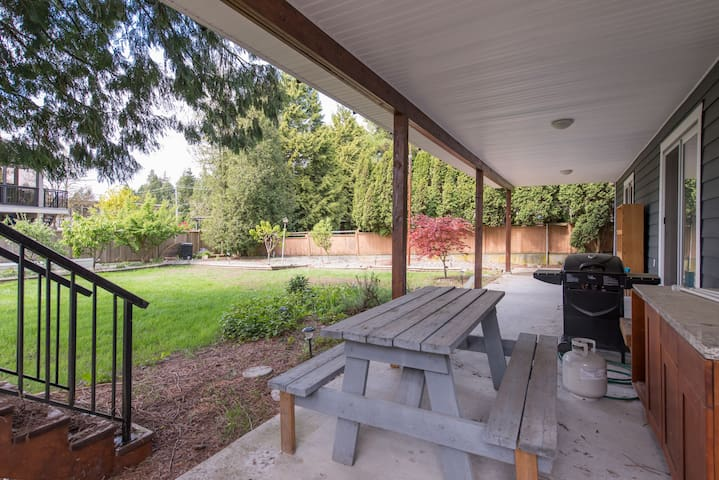 Cozy suite in Central Coquitlam - Coquitlam - Bed & Breakfast