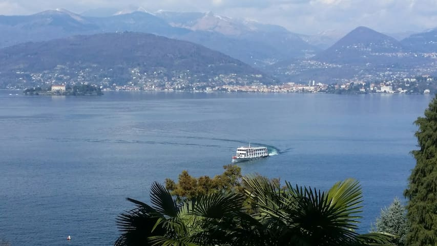 Tranquil setting with Lake view - Stresa - Appartement