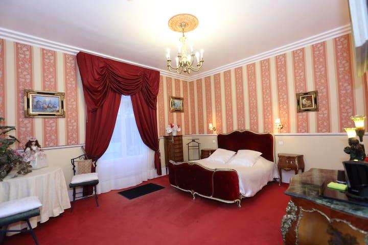 chambre d'hôte de charme  - Quesmy - Slott