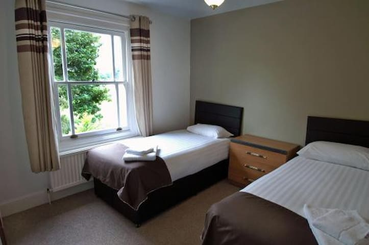 Double room - Duxford, Cambridge, M11 junction 10 - Duxford