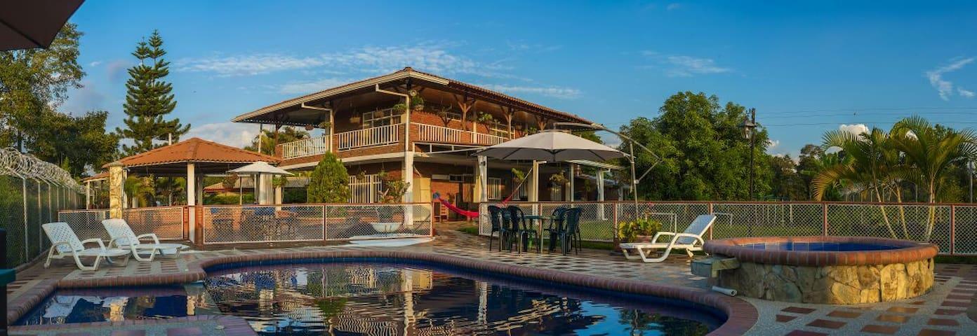 Finca Villa El Recreo Parques cafeteros y Descanso - Quimbaya - Villa