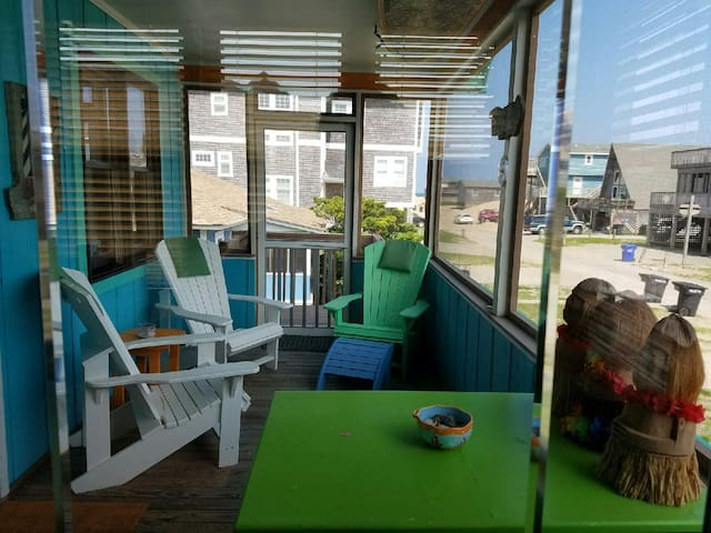 Buxton Surf-footsteps to the beach! - Buxton - Huis