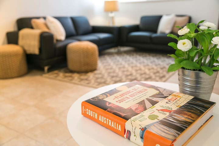 It's Yours, To Stay at The Bay - Glenelg South - Apartamento