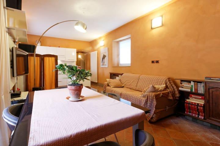 Appartamento in convento del 1300 - Roppolo - Apartamento