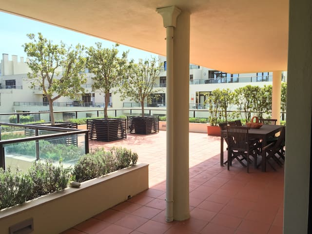 Beautiful 5 Bedroom Flat - POOL & TERRACE - Esmoriz - Apartamento