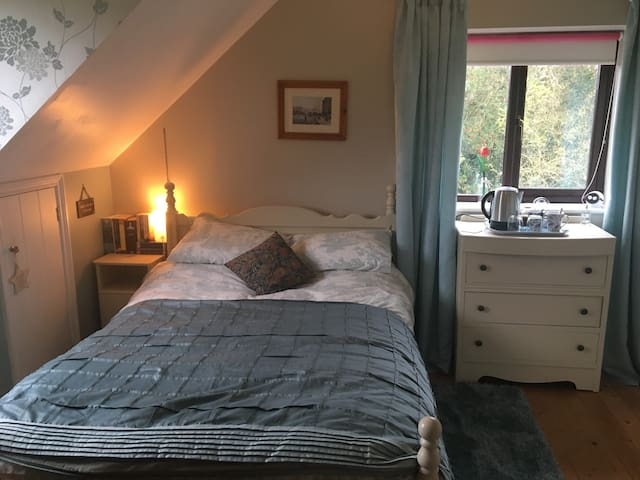 Ensuite double room in country location - Tredington - Hus
