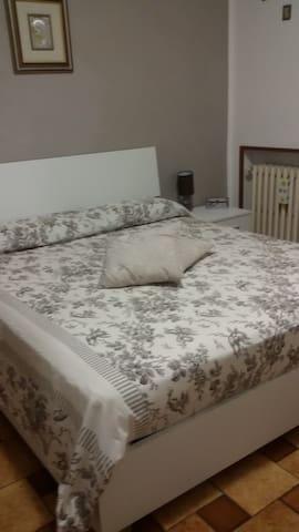 stanza privata con balcone - Soliera - Dom