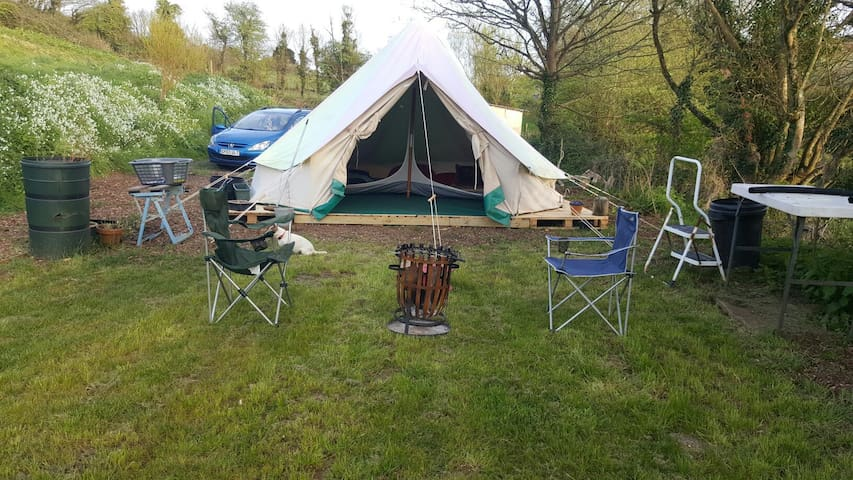 5m bell tent inc beds x6 - Cawsand - Tente