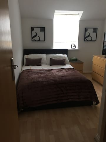 Nice Double bedroom! - Pinner - Rekkehus