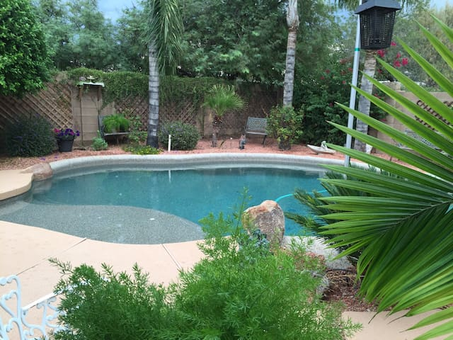 Charming House 2 in Secluded Street - Chandler
