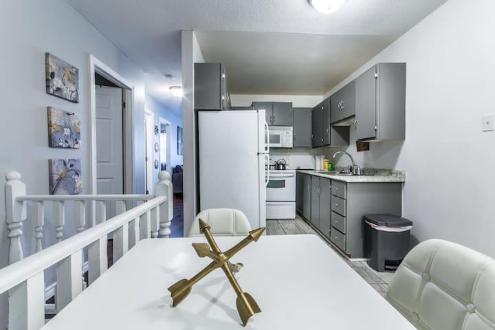 Cozy 2 Bedroom Downtown Apartment! - St. John's - Pis
