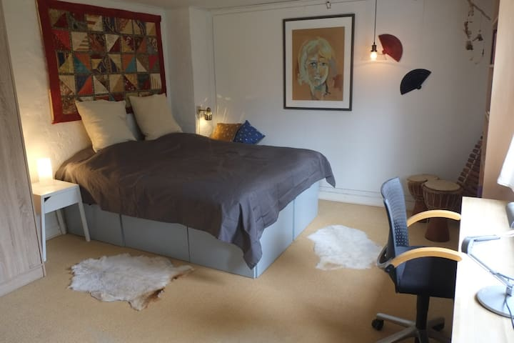Cosy and nice rooms - Tranbjerg - Huis