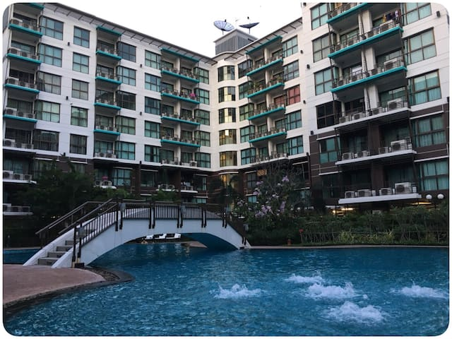 1BR, Swimming Pool View, 5th FL. - Pak Kret - Apartmen