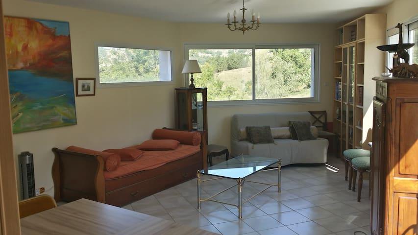 Bel Appartement de 65 m2 dans la Drôme Provençale. - Bézaudun-sur-Bîne - Apartment