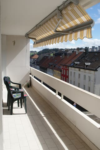 Chambre calme au coeur de la ville - La Chaux-de-Fonds - Lägenhet