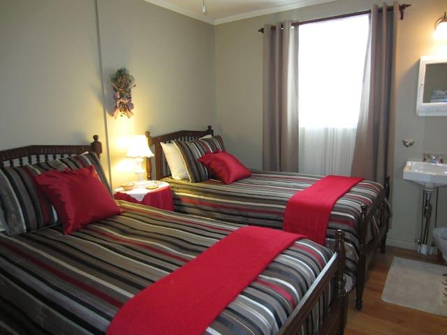 Le Port d'attache_chambre l'Abordé - Saint-Irénée - Bed & Breakfast