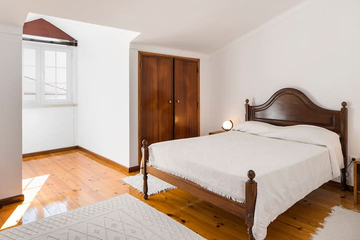 Three-Bedroom Apartment - Luso - Appartement