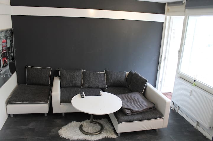 furnished, modern, bright - Pinneberg - Apto. en complejo residencial