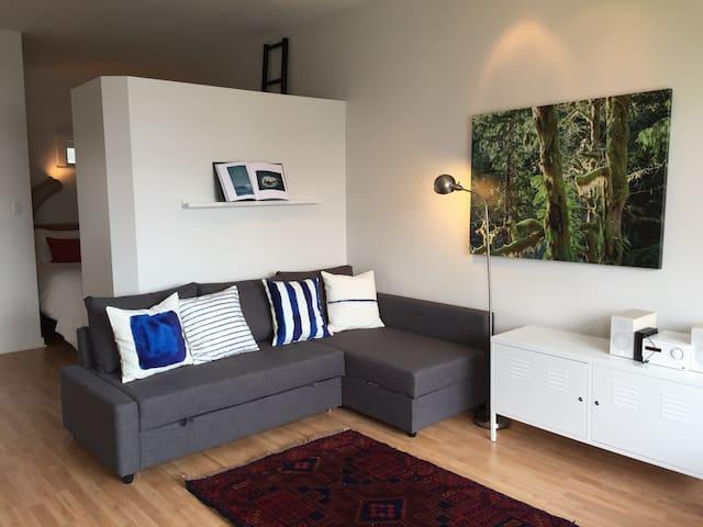 Waterfront Studio Apartment - Tofino - Appartement