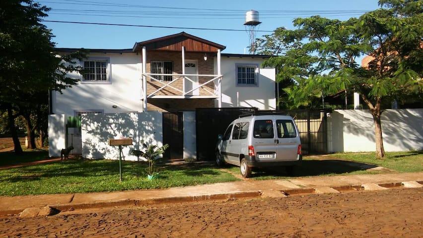 Apartamento confortable, bo.residencial,encantador - Posadas - Osakehuoneisto