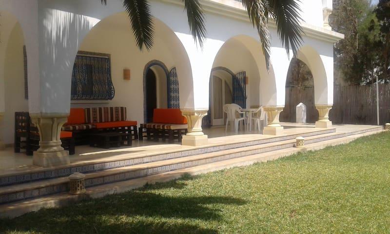 Une villa Pied dans l'eau - Nabeul - Villa