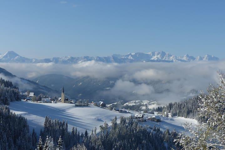 Vom Berg der Blick ins Tal - Tassach - Departamento